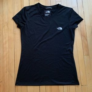 💕 The North Face running shirt